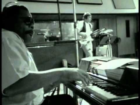 Al Greene & Lyle Lovett – Funny How Time Slips Away
